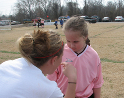 31007_jessica_giving_em_a_pep_talk_1
